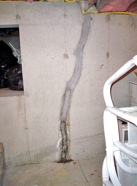 Basement floor wall crack repair repair leaking cracks in leaking wall crack failed crack repair failed do it yourself wall crack seal found solutioingenieria Choice Image